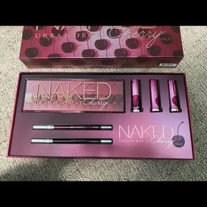 Urban Decay Naked Cherry Vault